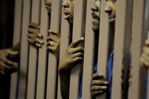 black_inmates_talking_to_clergy